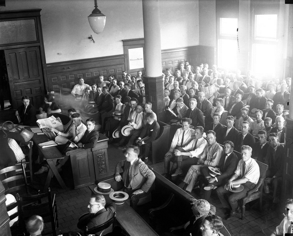 shoeless joe jackson virtual hall of fame 1921 trial related crowd at trial